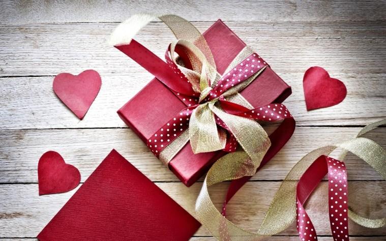 valentines-day-gift-box-ribbon-hearts-love-1.jpg